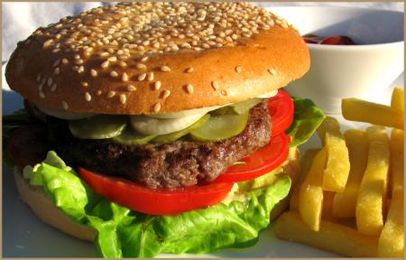 Гамбургер домашний с котлеткой