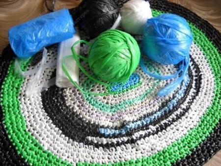 Мастер-класс по вязанию коврика из полиэтиленовых пакетов