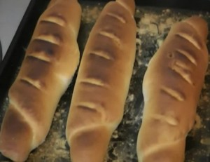 Как испечь дома ароматный свежий хлеб с хрустящей корочкой.
